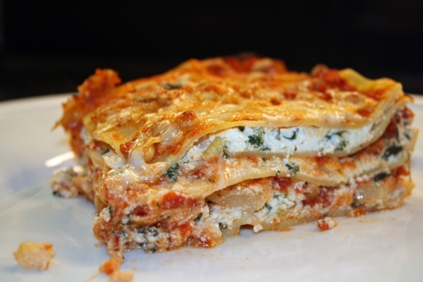 spinach lasagna with pine uts